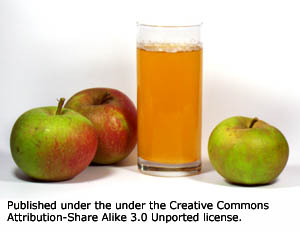 Apple juice is a very popular choice when it comes to liver detox diet drinks.