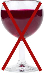 Avoid alcohol if you want to clean your liver. Picture of a glass of red wine